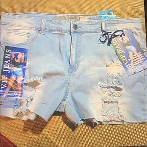 NWT Distressed sIze 19/20 Jean shorts